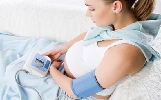 76000 phụ nữ trên thế giới tử vong mỗi năm vì bệnh cao huyết áp sau sinh.