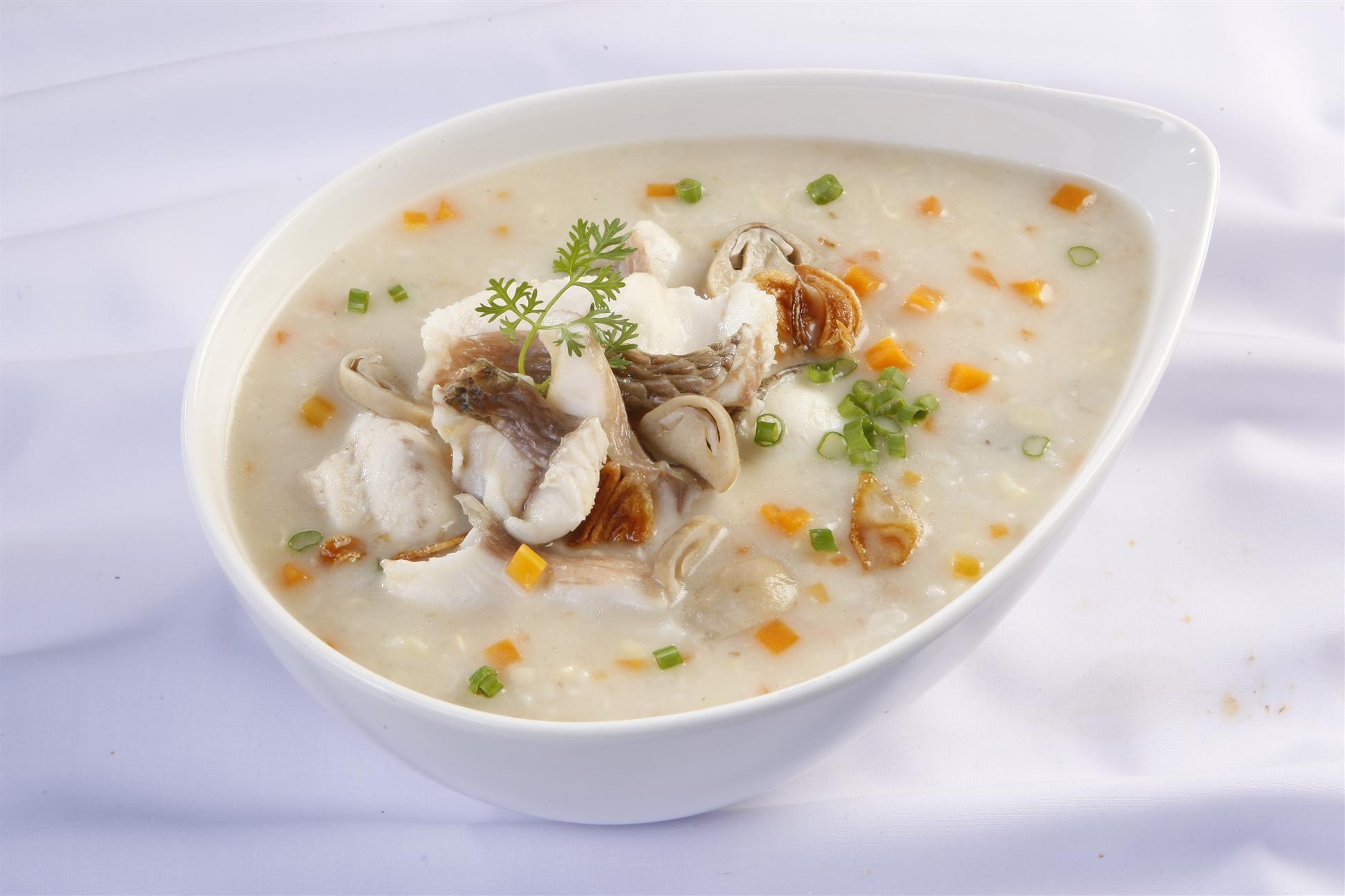 Bột gạo nấu cá thơm ngon lạ miệng cho trẻ