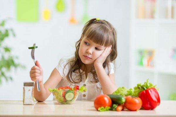 Cách giúp trẻ hết biếng ăn tại nhà 2