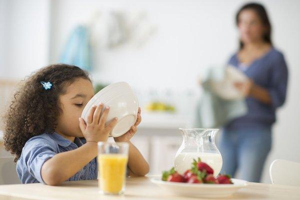 Chọn sữa giảm cân cho trẻ em