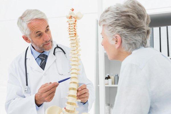 Hướng điều trị cho bệnh nhân mắc viêm cột sống dính khớp 2