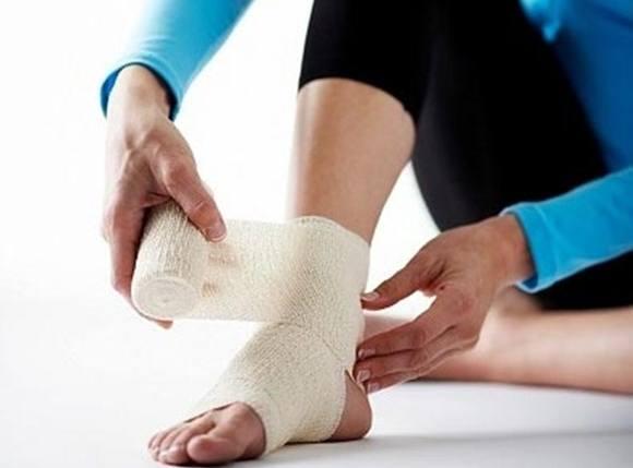 Mách bạn cách chữa bệnh trật khớp chân đơn giản 1