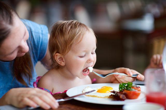 Trứng có nhiều protein cần thiết với trẻ